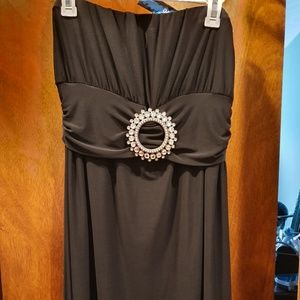 Fave dress with brooch sleeveless Black